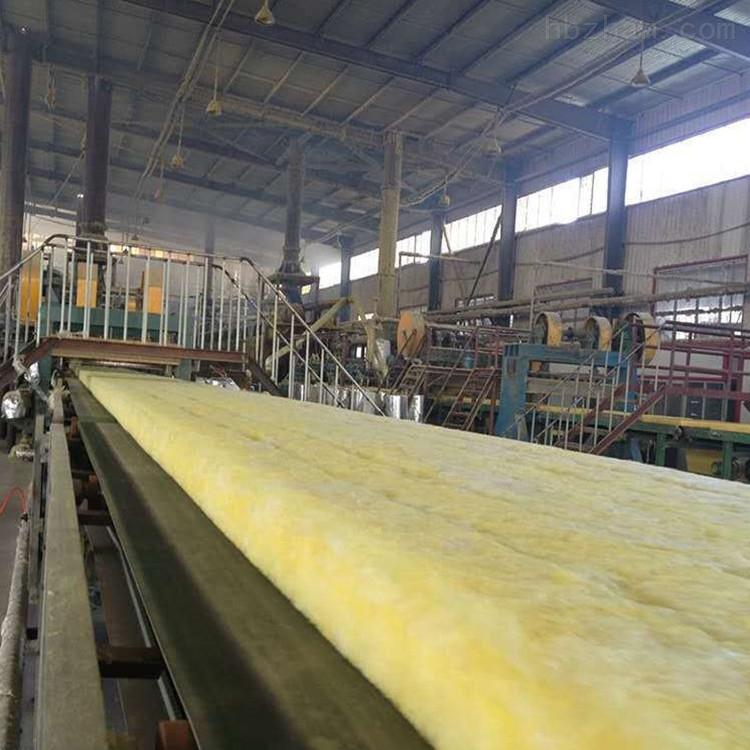 生产黄色玻璃棉卷