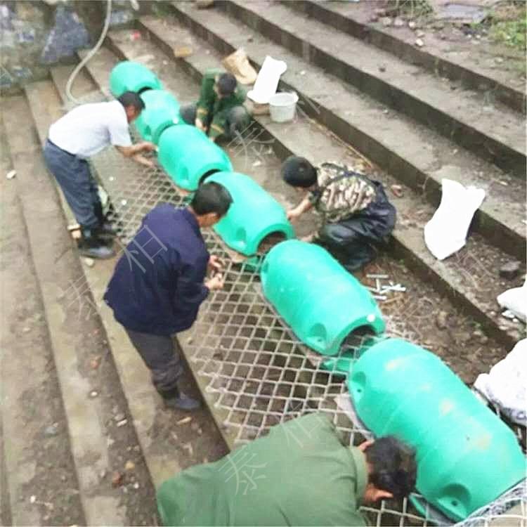 可根据水电站现场环境自由升降拦污浮筒
