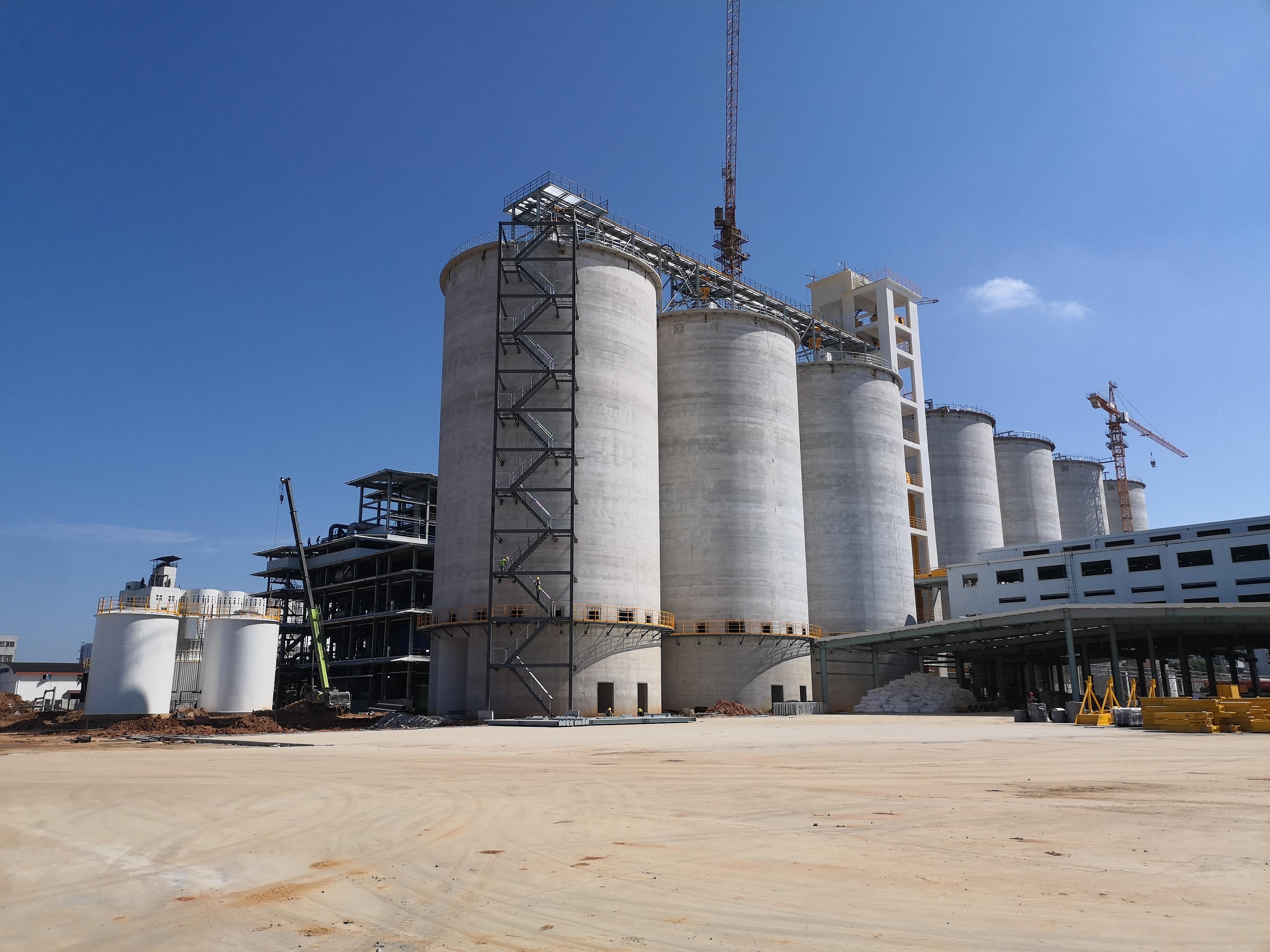 中粮集团九江油脂工厂废气处理设备安装进行中.....